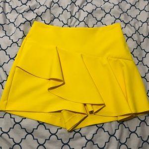 NEW Zara Yellow Skort